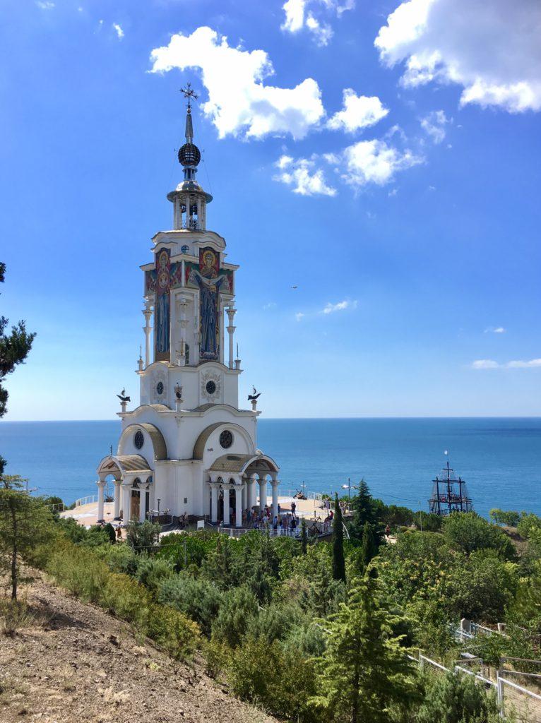Храм - маяк Святого Николая Чудотворца