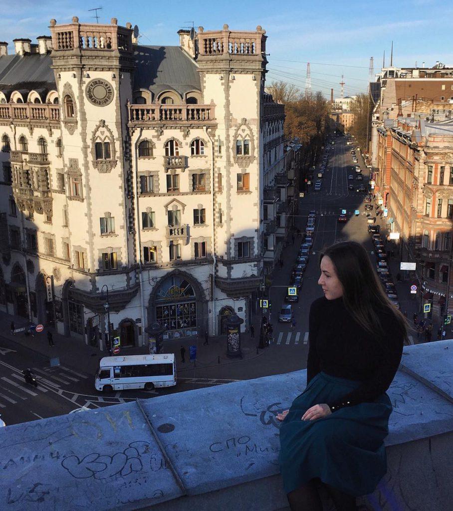 Крыша с видом на театрантрепризы имени Андрея Миронова